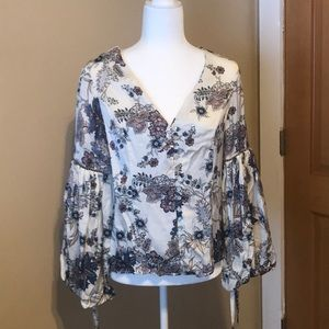 Willow & Clay Blouse. Size S. New w/out tags.